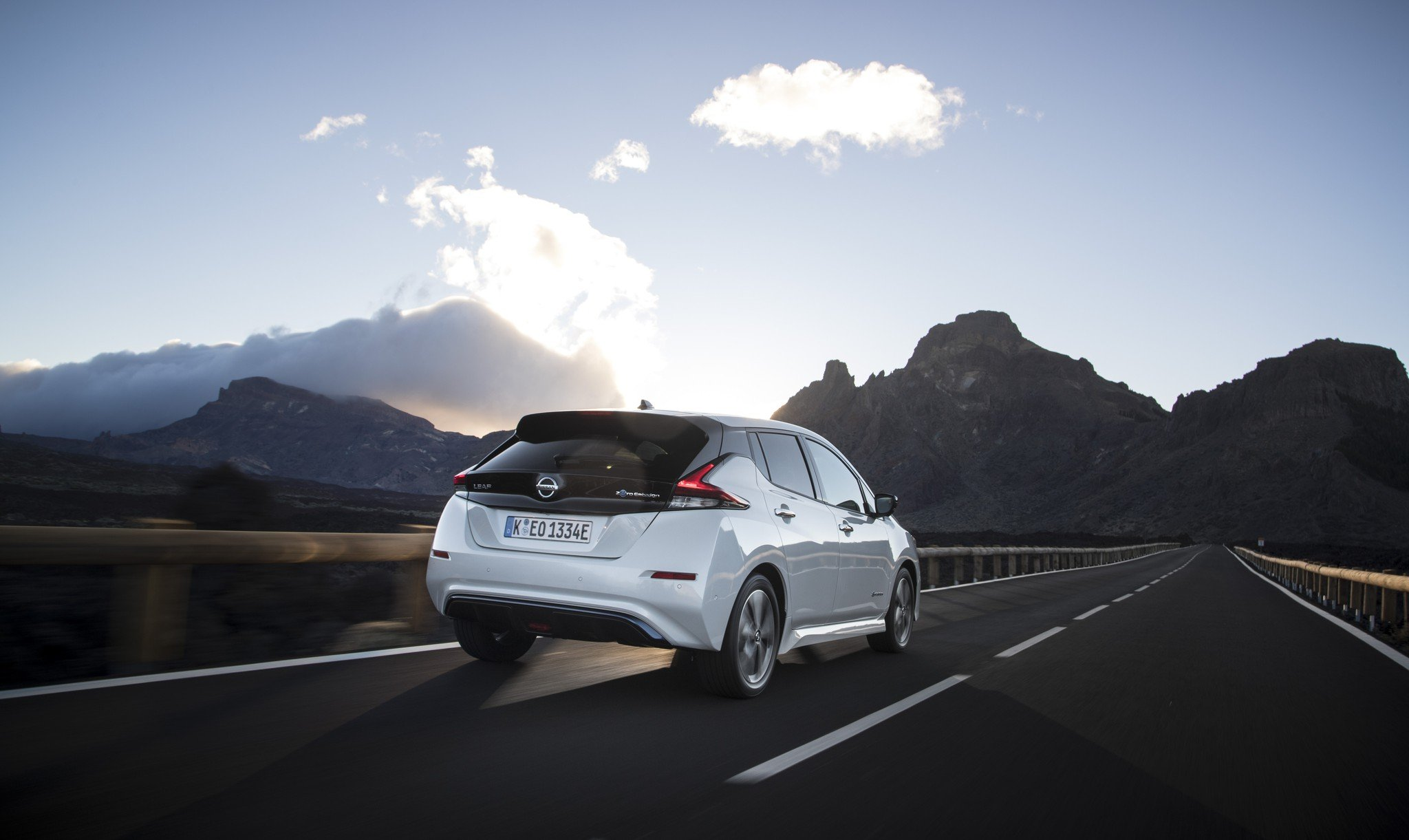 leasing-nissan-leaf-acenta-40-kwh-driver-assist-pack-dk-findleasing