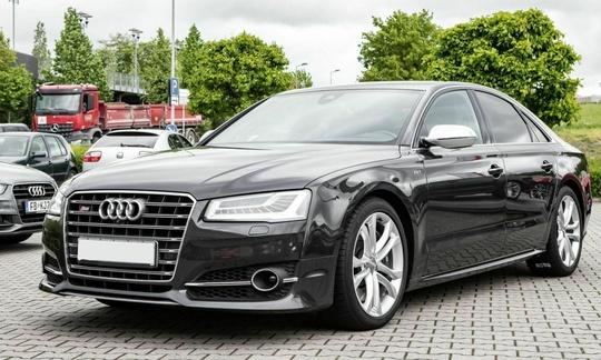 Audi S8 4.0 TFSI COD V8 - 520 hk quattro Tiptronic