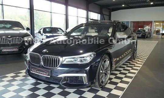 BMW 760Li M - xDrive, laser, panorama, 360 Kamera, b&w